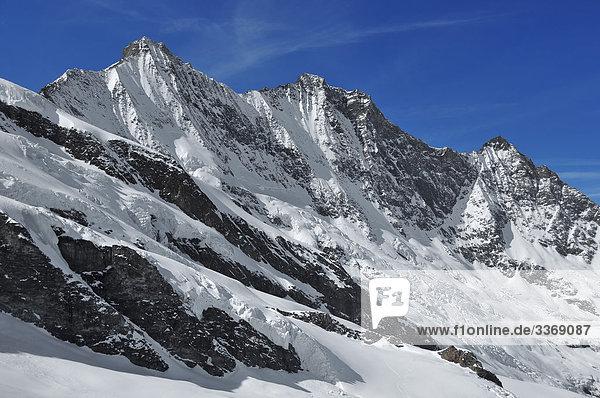 Schweiz  Wallis  Saas Fee  Alpen  Berge  Swiss  Allalinhorn  Winter  Schnee  Eis  Gletscher  Rock  Klippe  Gipfel  Spitze  Punkt  Peak