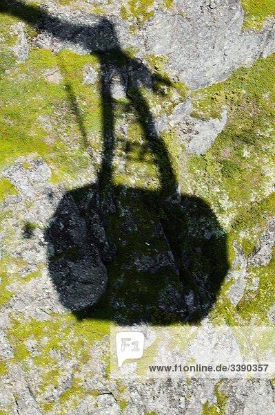 Schatten eine Kabine von einer Drahtseilbahn