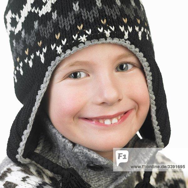 Junge mit Winterhut