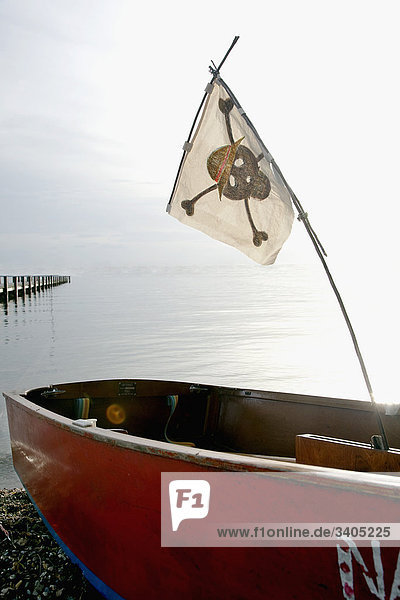 Piratenflagge auf Boot