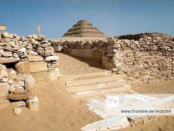 Pirámide escalonada de Zoser   Saqqara  El Cairo  Egipto