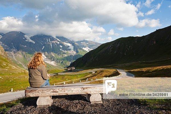 Österreich  Großglockner  Blick von der Hochalpenstraße auf die Alpen