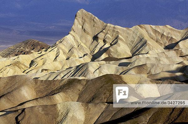 Sonnenaufgang am Zabriskie Point  Death Valley Nationalpark  USA Sonnenaufgang am Zabriskie Point, Death Valley Nationalpark, USA