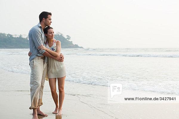 Paar durch den Ozean