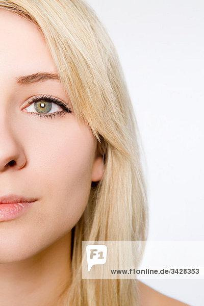 Nahaufnahme auf dem Gesicht einer jungen Frau