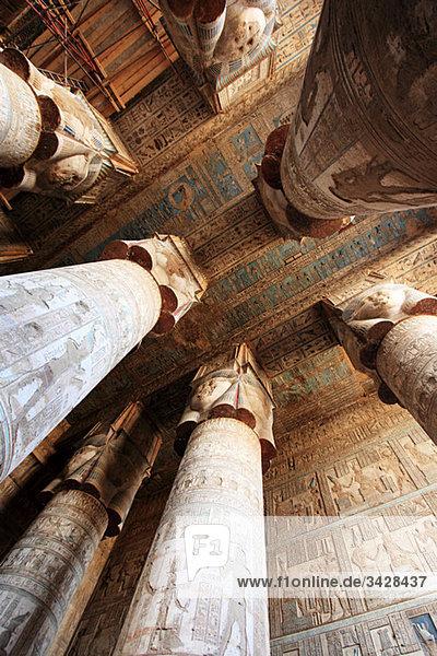 Hypostyle-Halle im Dendera-Tempel Ägypten