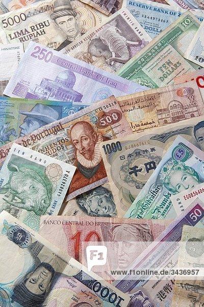 Sammlung von verschiedenen Währungen von Ländern der Welt
