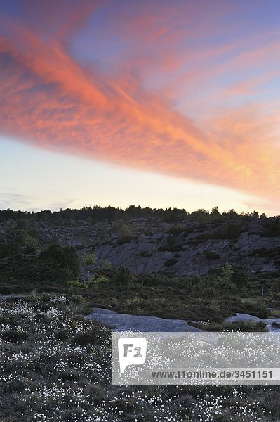 Sonnenuntergang über eine Berglandschaft