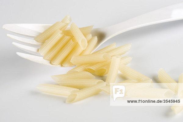Glutenfreie Penne-Nudeln aus Reis
