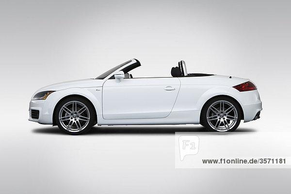 2010 Audi TT Roadster 2.0 TFSI in schwarz - Treiber Seitenprofil