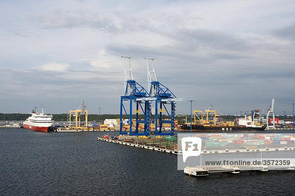 Hafen für Frachtverkehr in Vuosaari  Helsinki  Finnland