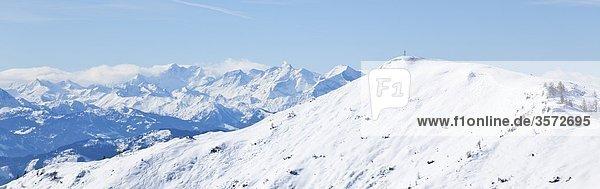Blick aus dem südlichen Tennengebirge zu den Hohen Tauern  Österreich