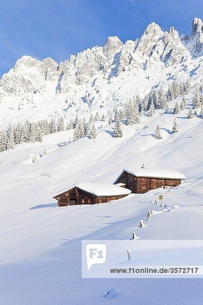 Almhütten am Hochkönig im Schnee  Österreich