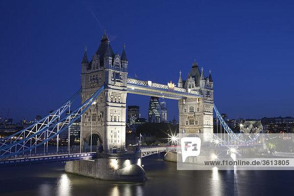 England  London  Tower Bridge und Themse