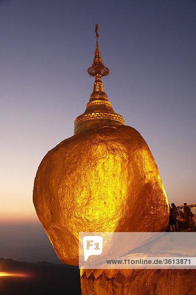 Sehenswürdigkeit Reise Steilküste Religion Myanmar Buddhismus Goldener Felsen Mon Tourismus