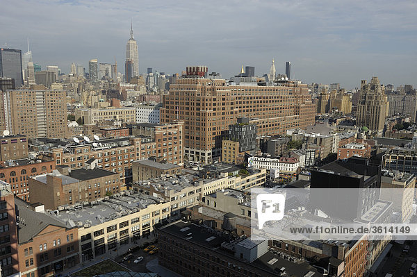 Blick zum Empire State Building von The Standard Hotel  Meat Packing District  Manhattan  New York  New York  USA
