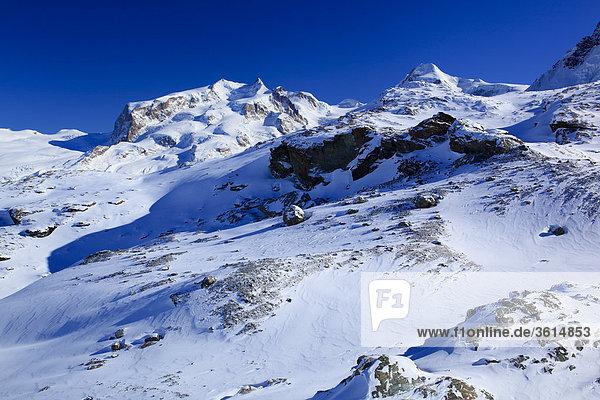 Schweizer Alpen  Monte Rosa  Dufourspitze - 4634 m  Crossbow - 4527 m  Wallis  Schweiz