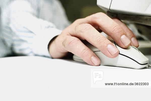 benutzen Close-up Mensch Computermaus Maus computer mouse
