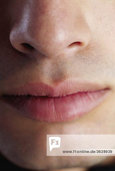 Nahaufnahme eines Mannes Mund und Nase
