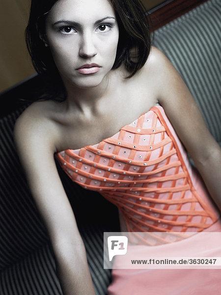 Portrait einer jungen Frau looking traurig