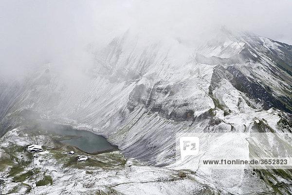 Sicht vom Brienzer Rothorn auf den Eisee im Kanton Obwalden  Schweiz  Europa