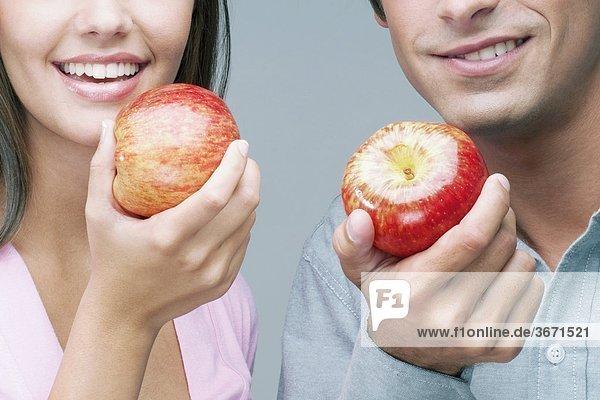 Nahaufnahme von einem Paar Tafeläpfel