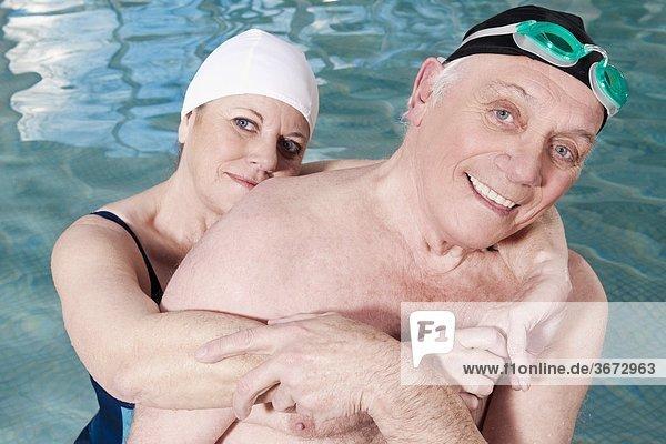 Portrait lächeln Schwimmbad
