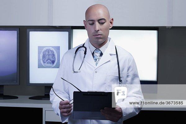 Bericht Arzt Gesundheitspflege Untersuchung