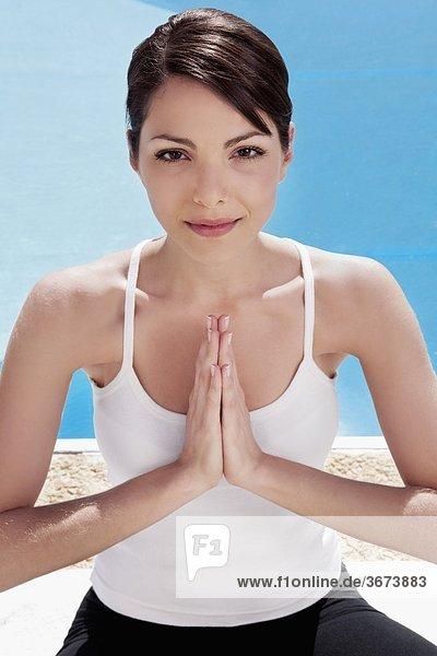 Portrait Frau 02 Position Gebet