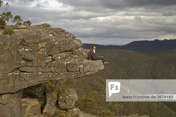 Aussichtsplatz auf dem Felsbalkon im Grampian Nationalpark Victoria Australien