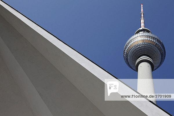 Fernsehturm  Alexanderplatz  Berlin  Deutschland  Europa