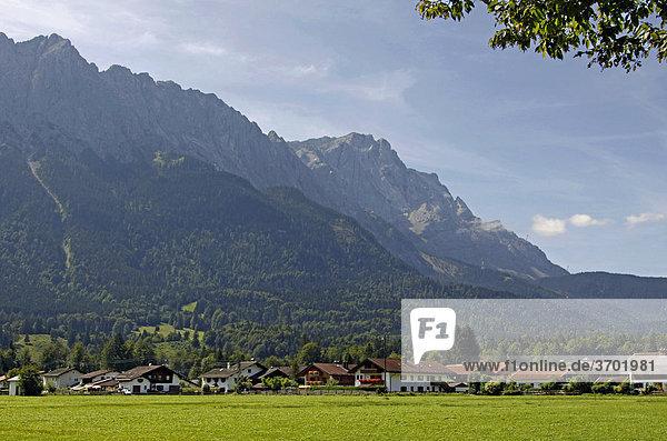 Grainau  Zugspitze  Zugspitzmassiv  Bayern  Deutschland  Europa
