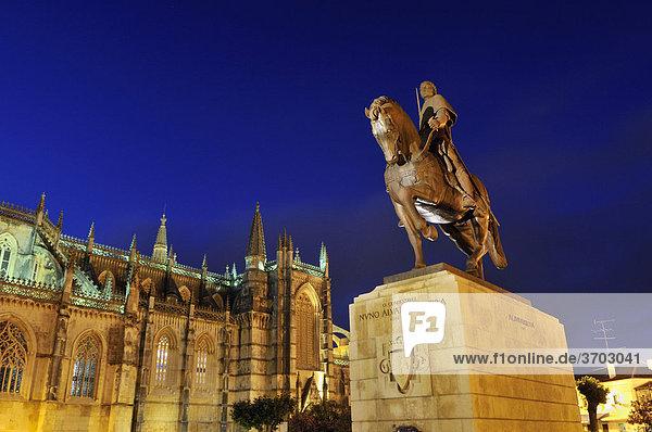 Equestrian statue of King Nuno Alvares Pereira in front of the Dominican monastery Mosteiro de Santa Maria da Vitoria at night  World Heritage  Batalha  Portugal  Europe