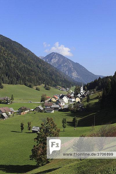 The village Zell or Sele  Karawanken mountain range  Carinthia  Austria  Europe