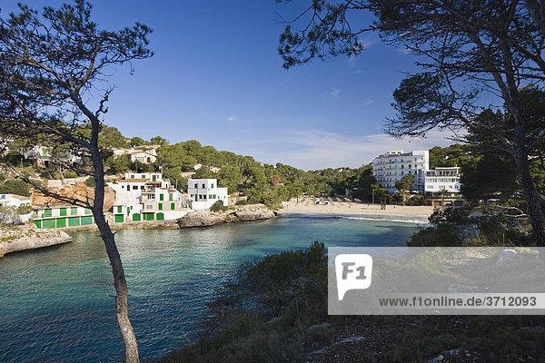 Bucht und Hotel Cala Santanyi  Mallorca  Balearen  Spanien  Europa