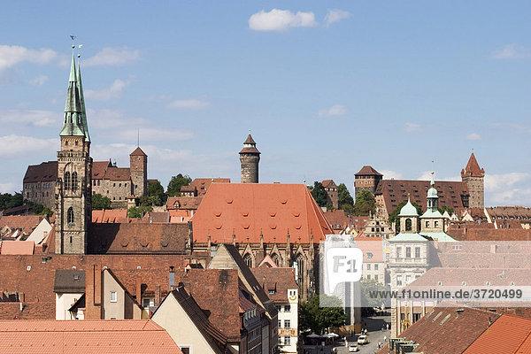 Nürnberg - Stadtpanorama mit Burg