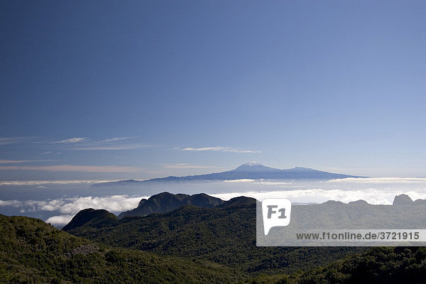 Nationalpark Garajonay - La Gomera - Blick zum Teide auf Teneriffa - Kanaren