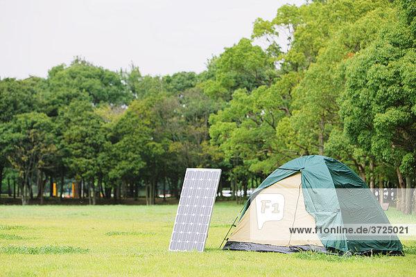 Solar-Panel mit Lager Solar-Panel mit Lager