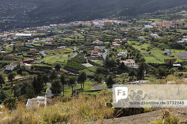 Blick von Mirador de la ConcepciÛn über BreÒa Alta  La Palma  Kanarische Inseln  Kanaren  Spanien