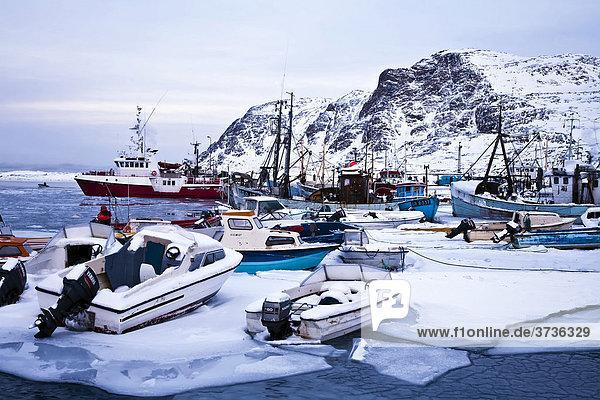Hafen von Sisimiut  Grönland