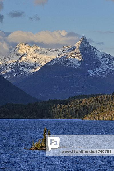 Lake Saint Mary und Goose Island  Glacier Nationalpark  Montana  USA  Nordamerika
