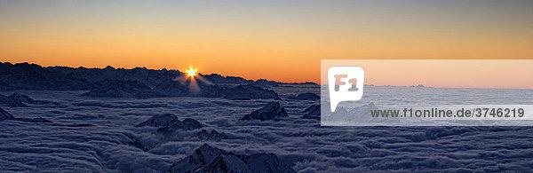 Blick vom Säntisgipfel auf die Glarner und Berner Alpen  Kanton Appenzell  Schweiz  Europa