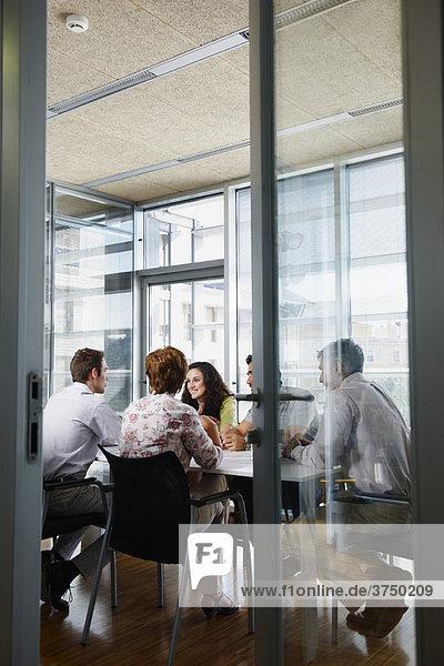 Treffen im modernen Büro