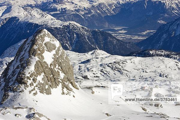 Schöberl (2426m) rechts daneben Simonyhütte  Dachstein  Steiermark  Österreich