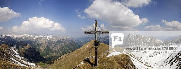 Gipfelkreuz Kastenkopf  Allgäuer Alpen  Hinterstein  Tirol  Österreich