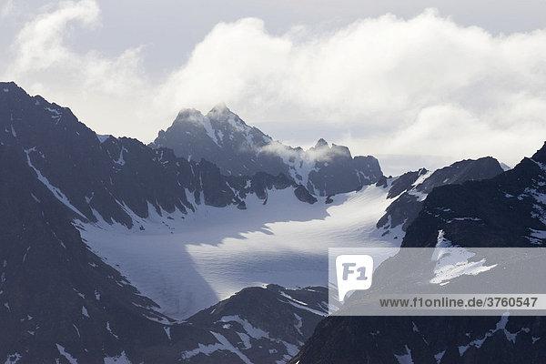 Berge  Smeerenburgfjorden  Albert I. Land  Spitzbergen  Norwegen  Skandinavien  Europa
