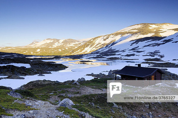 Hut at Gamle Strynefjellsvegen  Norway  Scandinavia  Europe