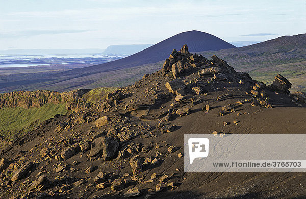 Tuff Formationen am Fuß des Berges Horn  Snaefellsnes Halbinsel  Island