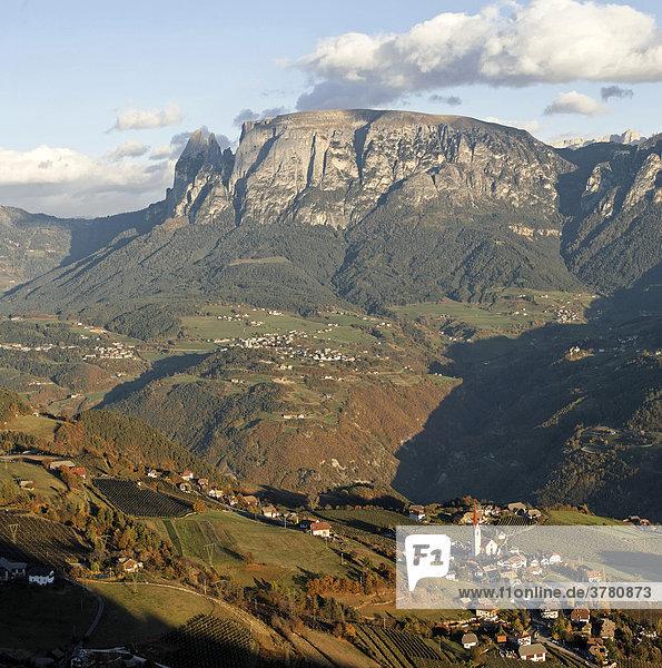 Ort Unterinn und Schlern  Rittener Berg  Südtirol  Italien