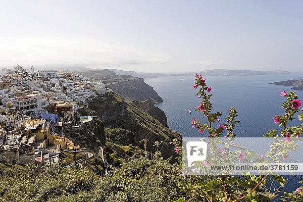 Blick auf den Ort,  Fira,  Santorin,  Griechenland